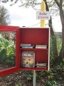 la boite à livres en jardin public